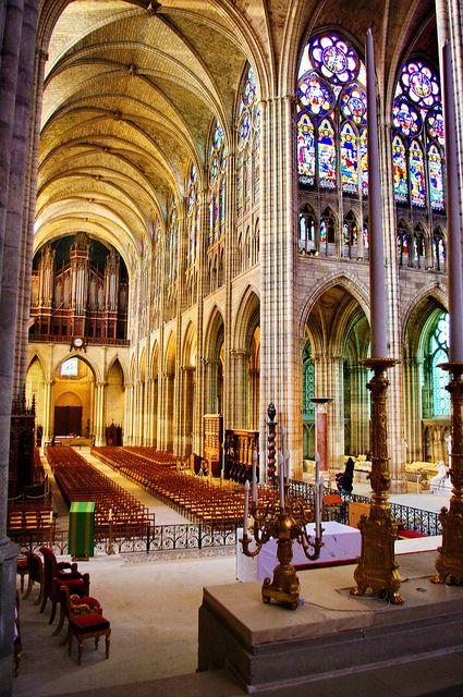 """basilique """"Saint Denis"""" à Paris *France*"""
