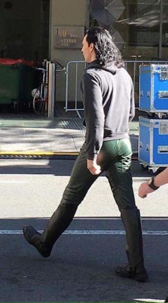 *Gasp* Those are Loki trousers....!!