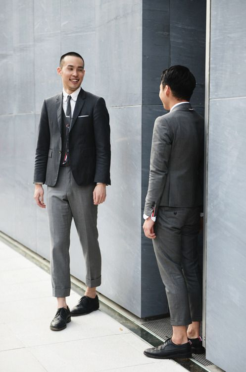 Men's street style - Suits - short pants - bare ankles......I KNOW ...