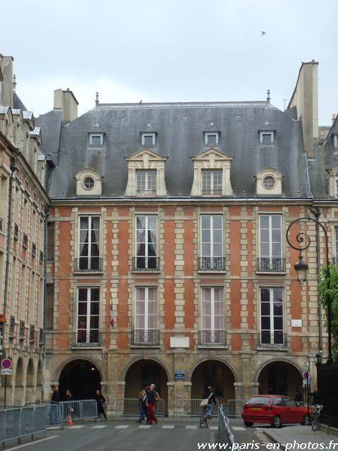La Maison de Victor Hugo, place des Vosges - Paris en photos