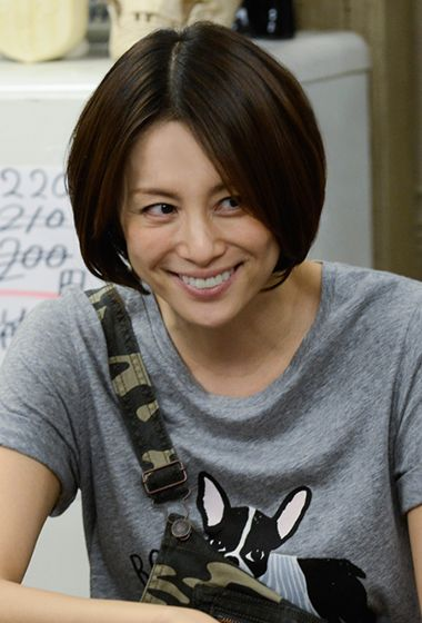 米倉涼子のTシャツ