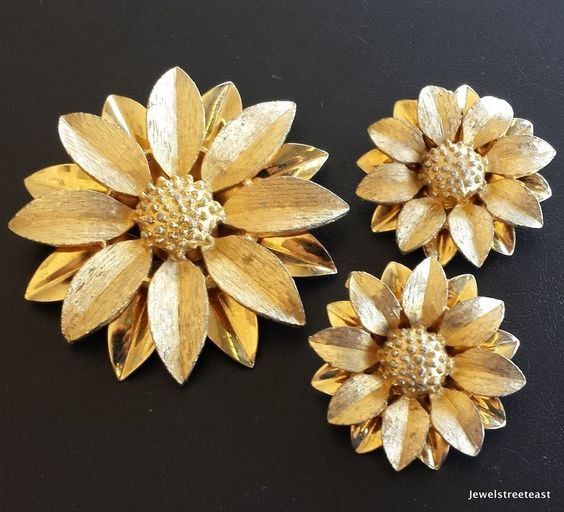 Signed SARAH COVentry Vintage Set Brooch Pin Earring Sun Flower Daisy Demi! 429