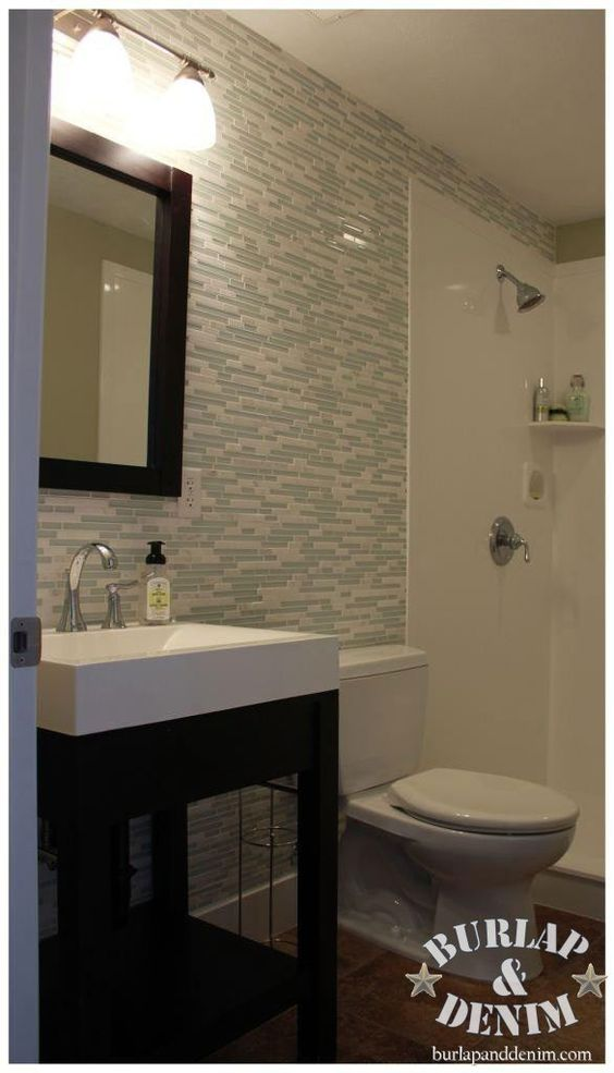Glass and marble tile bathroom accent wall bathrooms for Bathroom accent ideas