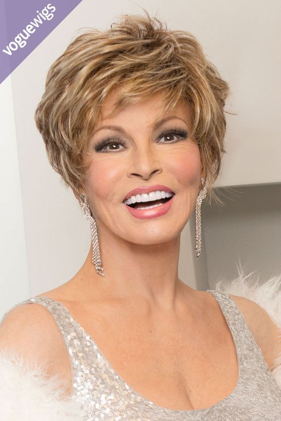 Looking for a fabulous short do? Look no further. The Sparkle Elite wig is glam and fab all day long.