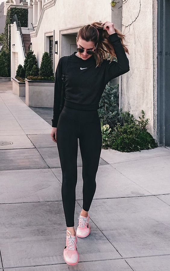 Basic And Cool 10 Tips To Enhance The Look Without Heel Basic Cool Enhance Heel Tips Outfits Deportivos Mujer Ropa Fitness Mujer Outfits Deportivos
