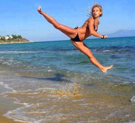 Taekwon-Do (ITF) - Albena Malcheva-- cool beach kick