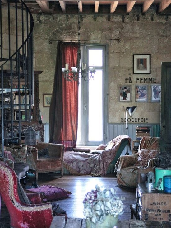 this shows me both my love for this European grunge style while showing my bohemian outlook