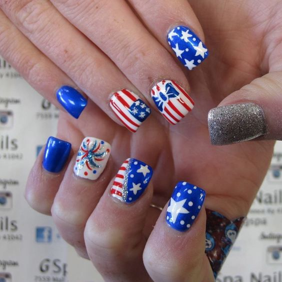 blue fourth of july nails
