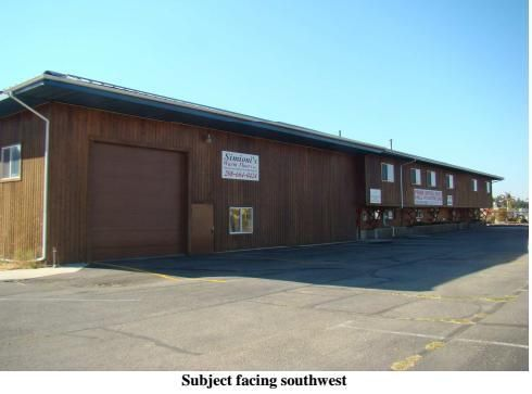 Warehouse, Warehouse Comm'l Bldg w/Land - Post Falls, ID High visibility on Seltice Way. Post Falls is a growing and vibrant community and Kootenai County is one of the fastest growing counties in the US. This is a Multi-level, commercial/industrial building with easy access to freeways. Creative seller ready to make a deal.  Available for lease, seller finance, lease option or trade. Perfect for owner user.  23 offices, approximately 3000SF of warehouse area, 2 kitchens with dining areas…