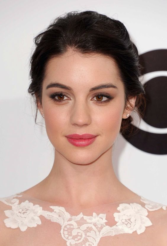 Natural brown smokey eye with subtle rosy lips: