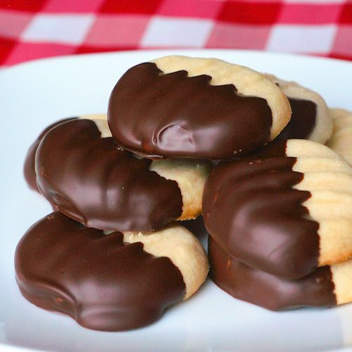 These Melting Moments truly are the lightest, melt in your moth shortbread cookies that I've ever tried. Wonderful dipped in chocolate & they freeze well too.