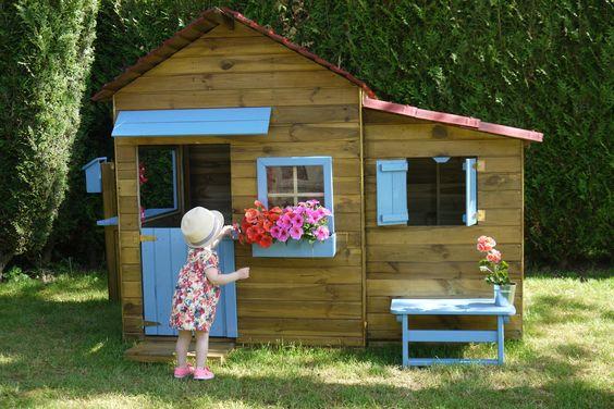 Maisonnette en bois family for Cabane au fond du jardin laurent gerra