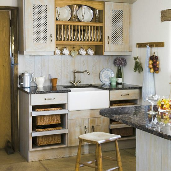 1920s Farmhouse Kitchen | New Home Interior Design: Traditional kitchen decorating ideas