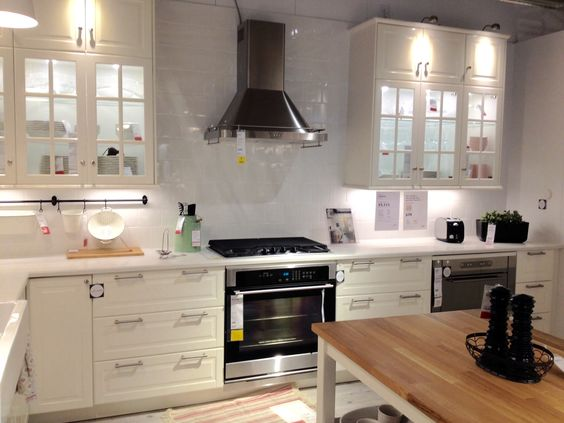 Ikea bodbyn white cabinets decoraciones pinterest for Armoires ikea cuisine