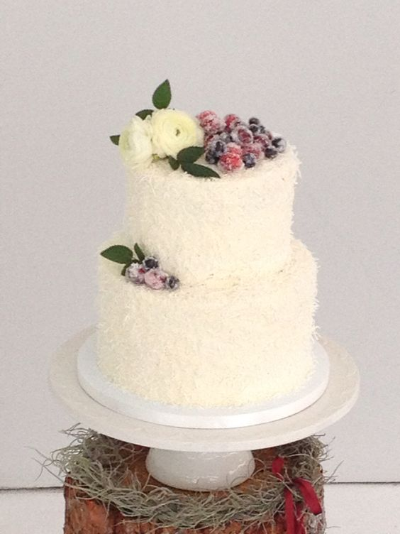 Winter wedding cake with fresh flowers and sugared berries Sweetonyoucakes.ca Royce Sihlis Photography Created Lovely Events