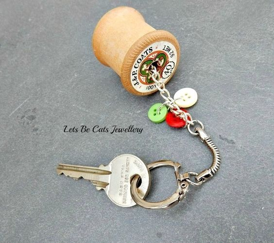 Upcycled vintage wooden cotton reel and button keyring £4.50