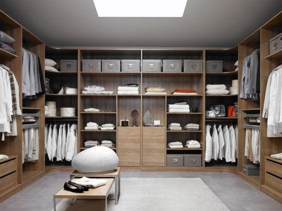 Closet armario vestidor a tres paredes con doble armario for Closet modernos para hombres