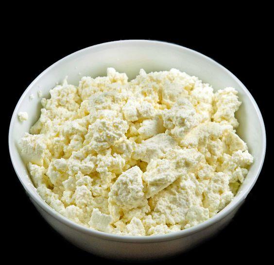 Homemade Whole Milk Ricotta Cheese from: http://www.askchefdennis.com/2012/06/torta-di-ricotta/