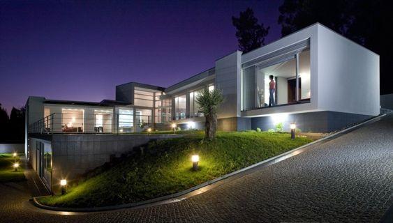 Portuguese architect Manuel Ribeiro designed Aveleda's House in Braga, Portugal - #architecture #portugal