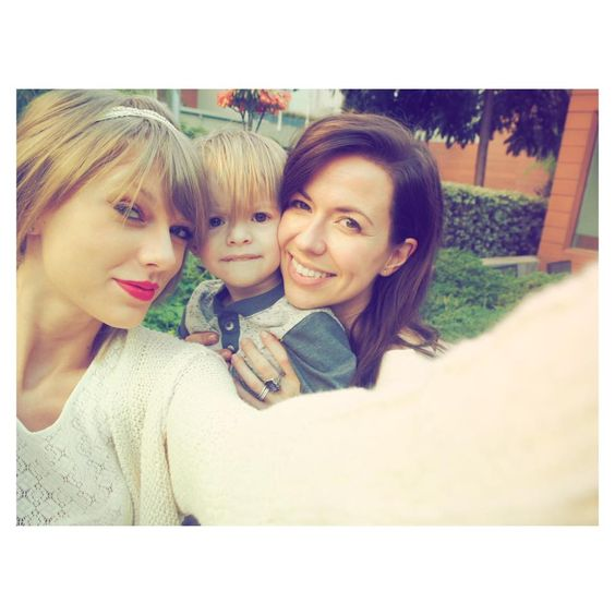 """""""joy__williams: Somebody's excited to see """"Auntie Tay Tay"""" this week, his first big show!"""" // 8.26.15"""