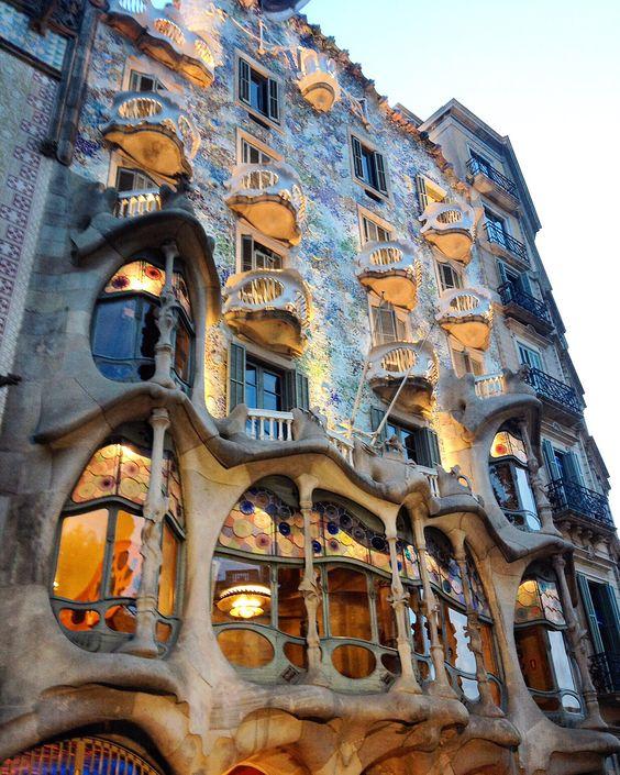 #casabatllo #batllo #barcelona #barcelonacity #cute #art #classic #dapper #elegant #blogger #instadaily #instastyle #instacool #instaart #instadeco #top #spain #europe #arquitectura #arquitecture #bello #awesome #beautiful #photooftheday #artoftheday #cool #great @casabatllo @topeuropephoto
