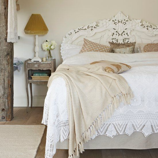 Neutral Colour Scheme Bedroom | Vintage Style Bedroom | #NeutralBedroomScheme | #VintageBedroom