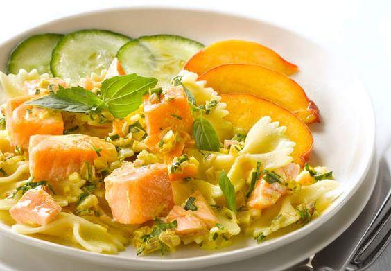 Pâtes au saumon et au basilicDécouvrez la recette des pâtes au saumon et au basilic