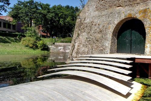 ravelinj (floating) bridge ~ ro&ad architecten