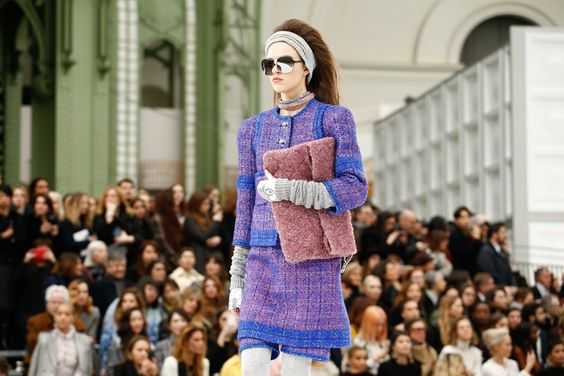Chanel Fall 2017 Ready-to-Wear Atmosphere and Candid Photos - Vogue