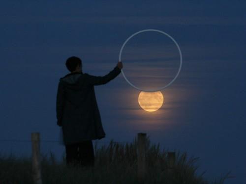 Circling the moon