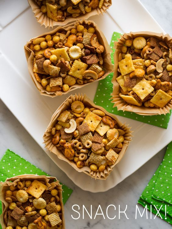 This #DIY cereal-packed #snack mix is perfect for #BacktoSchool!