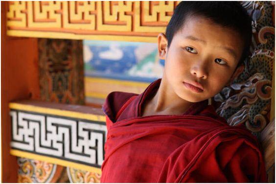 "Bhutan Travel Photography Reisfotografie ""Young Monk"" Punakha Dzong.059 by Hans Hendriksen by hans hendriksen, via Flickr"