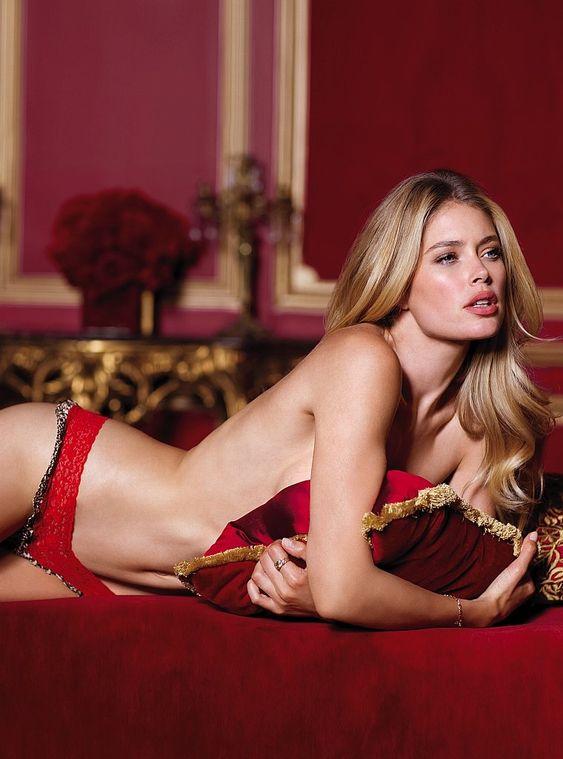 Victoria's Secret Lingerie 2012: Doutzen Kroes