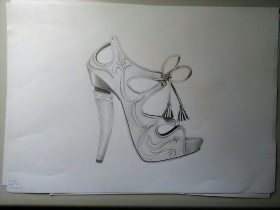 Sapato de salto alto_grafite