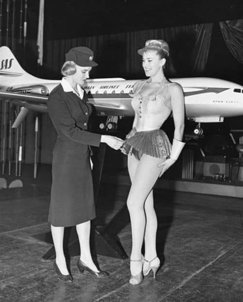 Proposed Stewardess Uniform For Scandinavian Airlines In 1958 Rare Historical Photos Historical Photos Vintage Photos