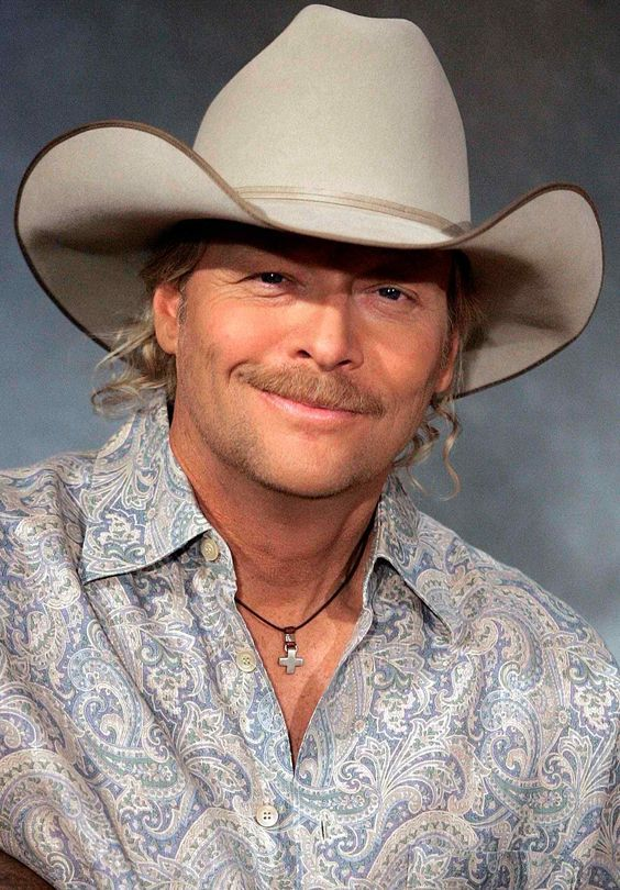 Alan Jackson With Images Alan Jackson Country Music Artists