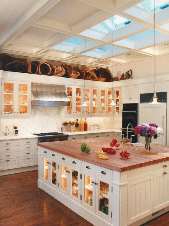 Kitchen painting rooms with cathedral ceilings design for Kitchen designs with cathedral ceilings