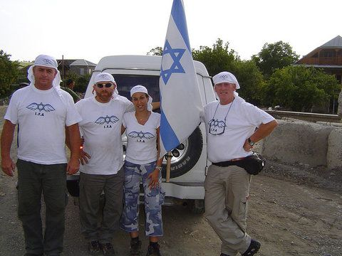 rsz_1flying_israeli_aid