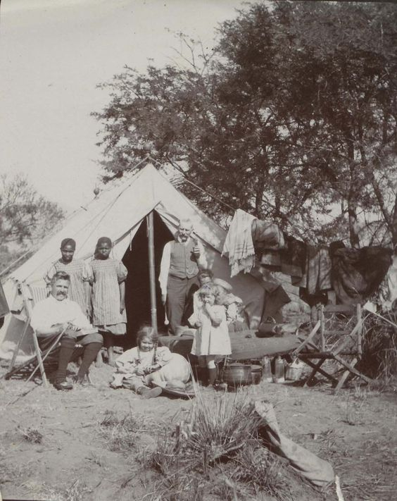 Camping at Lekkerdraai with uncle Sturt who later built the rondavels at Lekkerdraai as a winter retreat for the family. It was during this time that Bertha did many of her large and impressive african landscapes.