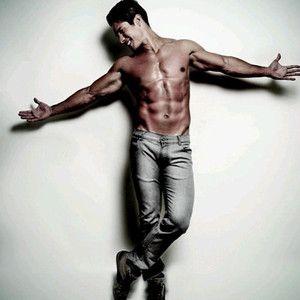 El Chino, de @ChinoyNacho  es fanático de sus músculos