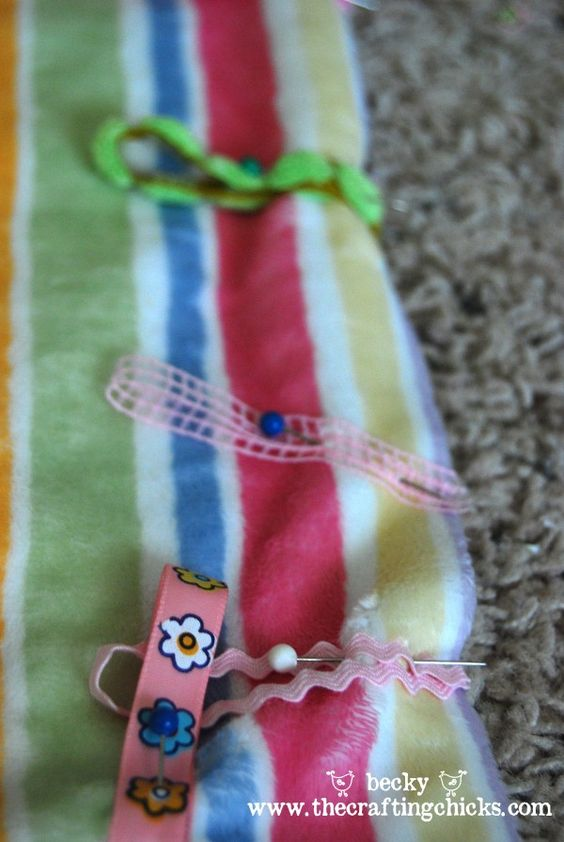 how to make a minky taggie blanket from  @The Crafting Chicks