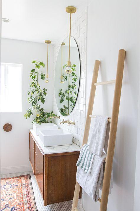 Minimalist boho-inspired bathroom /