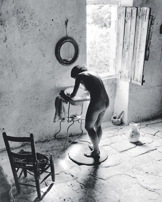 Willy Ronis (1910-2009) Nu provençal, Gordes, 1949