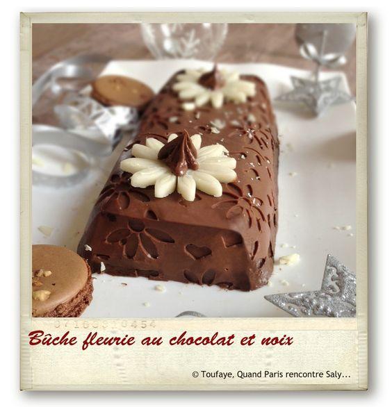 Bûche fleurie au chocolat et noix