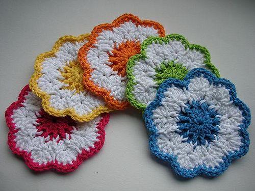 Free Crochet Daisy Coaster Pattern : Coasters 002 by BearsyCat, via Flickr Crochet Kitchen ...