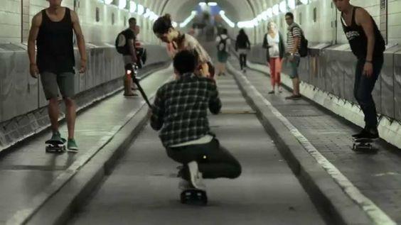 Pentax 645Z en acción! Lintaro Hopf - fotógrafo PENTAX - con 645Z y skaters ... #Pentax645Z #Pentax #Sports #skate