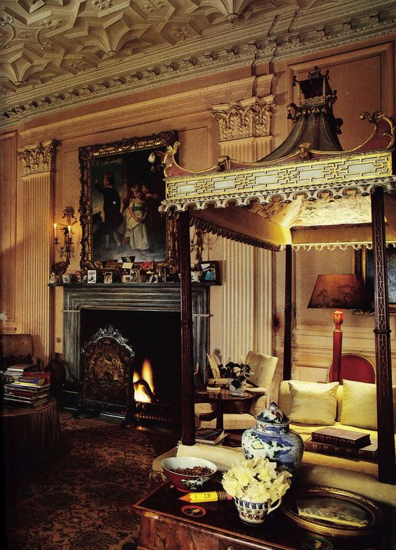 Drawing Room of Stanway House, Cotswald, England.  There are two Chinese Chippendale daybeds c1760 in the room, one shown in photo. House & Garden Aug 1986. http://www.stanwayfountain.co.uk/stanway-house/