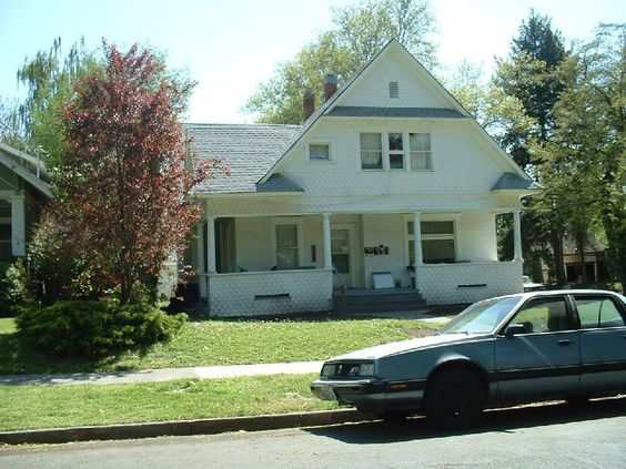 Available 2/10/12 - 2bd. 1bath upstairs apartment in 3 unit building. $590 per mo. No longer available as of 02/27/12