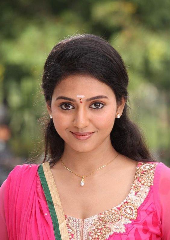 cool Vidya Pradeep Tamil Actress Photos