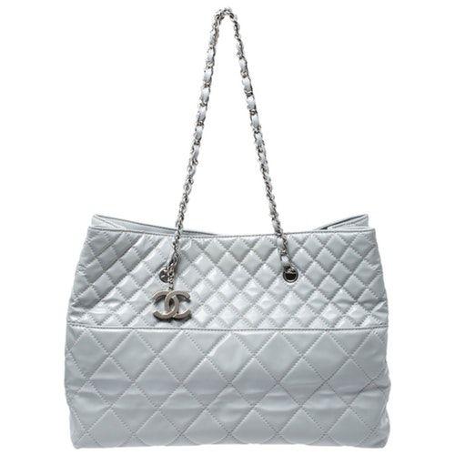 Pre Owned Chanel Grey Leather Handbag Modesens In 2020 Grey Leather Handbags Leather Tote Chanel